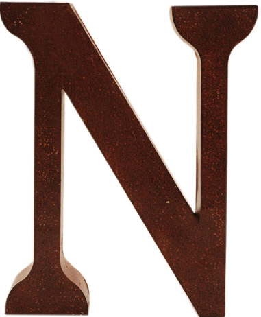 N stor plåtbokstav bokstav plåt rostbrun färg industristil