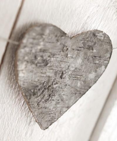Hjärtan av näver på jutesnöre