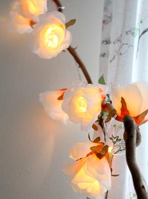Ljusslinga vita rosor med batteri timer shabby chic lantlig stil