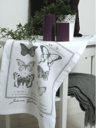Löpare fjärilar vit svart tryck shabby chic lantlig stil