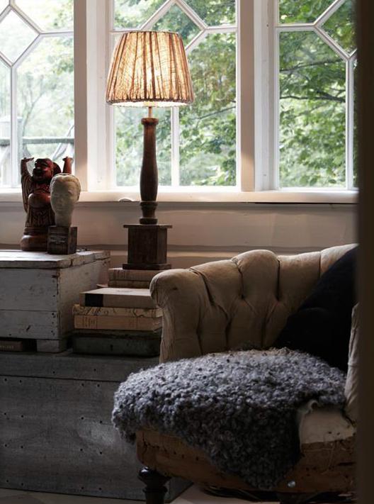 www gardsromantik se Lampskärm stor beige veckad shabby chic lantlig stil