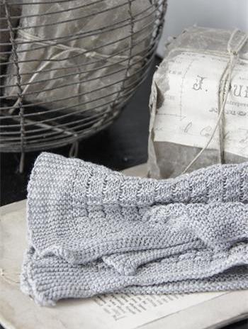 Liten handduk stickad bomull grå Jeanne d´Arc Living shabby chic lantlig stil