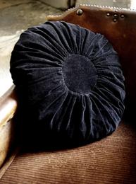 Kudde rund sammet svart shabby chic lantlig stil