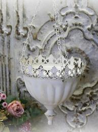 Ampel antikbehandlad vit plåt blomampel hängande blomkruka shabby chic lantlig stil