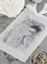 Vacker kvinna handgjort kort med spets knapp shabby chic lantlig stil Jeanne darc living