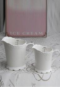 500 - 1000 ml måttkanna i vit keramik shabby chic lantlig stil