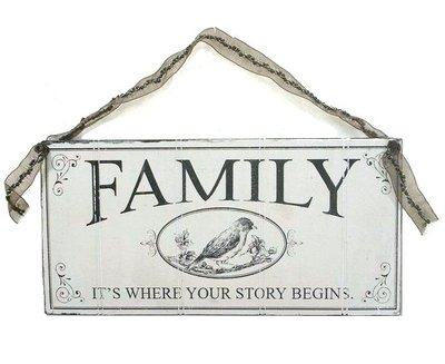 Skylt FAMILY IT´S WHERE YOUR STORY BEGINS shabby chic lantlig stil