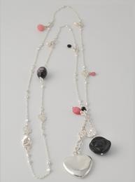 Halsband Halle Black Diddi Design hälvädelstenar onyx rosenkvarts pärlemor