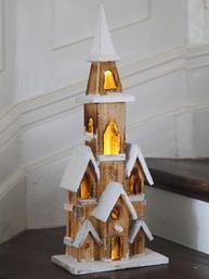Antik brun träkyrka med belysning huslykta shabby chic lantlig stil