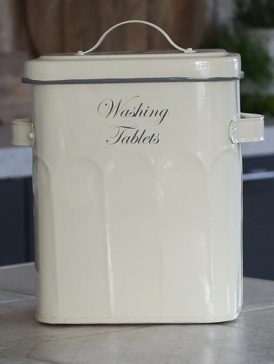 Diskmedel tabletter förvaring  Antiquecreme emalj shabby chic lantlig stil