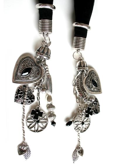Sjal med smyckesdekoration svart silver