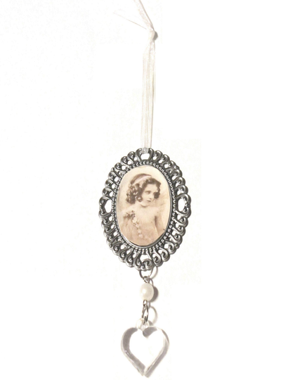 Hängande ornament vintage med hjärta och pärla antiksilver ornament shabby chic lantlig stil