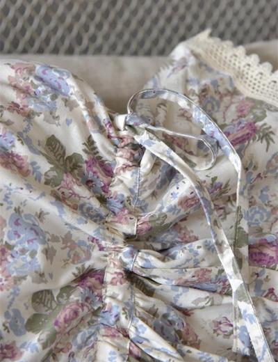 Avlångt kuddfodral Karamellkudde - fodral rosor spets Jeanne darc Living shabby chic lantlig stil