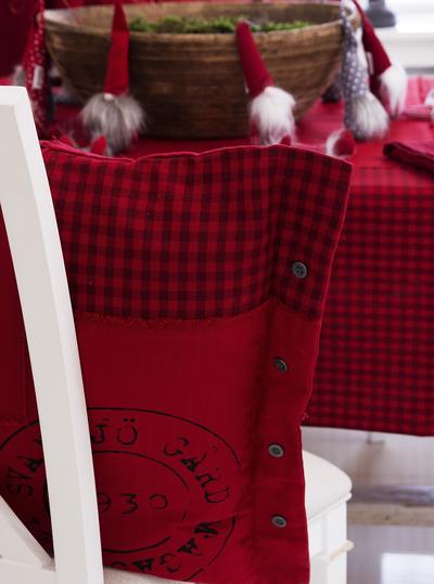 Kuddfodral rött rutig Svane Gård lantlig stil