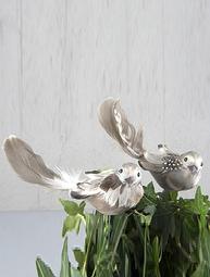 Stor fågel på pinne grå beige shabby chic lantlig stil